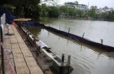 Bờ kè hồ Hoàn Kiếm được cải tạo thế nào sau 2 đêm thi công?