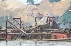 Xử lý 'thật nghiêm' nạn phá rừng, khai thác cát trái phép gây sạt lở