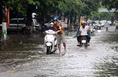 Hà Nội: Mưa lớn bất ngờ xuất hiện sáng sớm, nhiều khu vực bị ngập úng