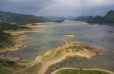 Nguy cơ thiếu nước ở khu vực sông Hồng do lưu lượng xuống thấp kỷ lục