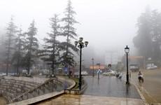 Miền Bắc sắp đón đợt rét đầu tiên, khu vực Trung Bộ có mưa cực lớn