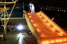 Vietnam Airlines diễn tập thoát hiểm khẩn nguy cất, hạ cánh