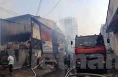 [Video] Tiếp cận hiện trường vụ cháy nhiều xưởng ở khu Đại Từ