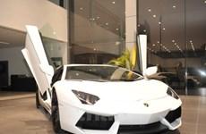 Siêu xe Aventador của Lamborghini có mức giá trên 26 tỷ đồng
