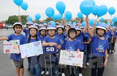 Yamaha Việt Nam trao tặng 20.000 mũ bảo hiểm cho trẻ em
