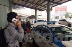 """Sẽ làm lâu dài, xử lý dứt điểm taxi """"dù"""" hoạt động sân bay Nội Bài"""