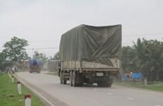 """Không cho xe thương mại của Lào """"quá đát"""" nhập cảnh vào Việt Nam"""