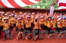 Honda Việt Nam tặng 20.000 mũ bảo hiểm cho học sinh, sinh viên