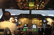 """Vietnam Airlines """"bắt tay"""" với Canada đào tạo bay cho phi công"""