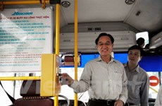 Hà Nội chính thức triển khai làm thẻ vé tháng xe buýt trực tuyến