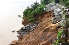 Đường sắt Bắc-Nam bị tê liệt vì ngập lụt tại tỉnh Quảng Bình