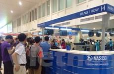 Làm thủ tục xong, gần 100 hành khách hãng VASCO vẫn bị hủy chuyến