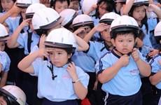 Tỷ lệ trẻ em đội mũ bảo hiểm thấp hơn rất nhiều so với người lớn