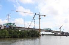 Hợp long cầu sông Chà dự án đường cao tốc Bến Lức-Long Thành