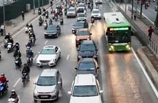 """Xe máy """"dẫn đường"""" buýt nhanh BRT, ôtô ít vi phạm làn đường riêng"""