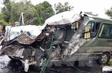 """Tai nạn giao thông dịp Tết tăng cao, nhà xe """"nhồi nhét"""" khách kiếm lời"""