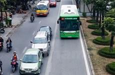 Xử lý xe biển xanh cố tình chạy vào làn đường buýt nhanh BRT