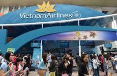 """Hàng trăm người """"săn"""" vé bay giá rẻ của Vietnam Airlines, Jetstar"""