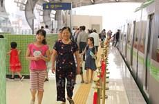 Vì sao khe hở giữa đoàn tàu Cát Linh-Hà Đông và ke ga lại rộng?