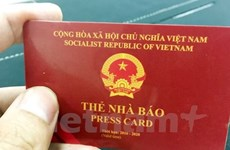 Bằng lái xe, thẻ nhà báo, thẻ Đảng được dùng làm thủ tục lên máy bay