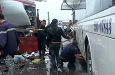 Khẩn trương điều tra nguyên nhân vụ xe khách đâm xe cứu hỏa ở cao tốc