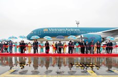 Tập đoàn Airbus bàn giao máy bay cho Vietnam Airlines và Vietjet Air