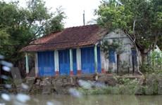 Sạt lở kênh Chợ Gạo: Dân 'nơm nớp' lo nhà cửa bị cuốn theo dòng nước