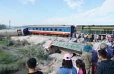 Ngành Đường sắt chuyển tải 9 chuyến sau vụ tai nạn lật tàu thảm khốc