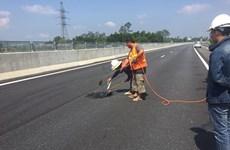 Thay thế nhà thầu 'vá víu' tạm bợ đường cao tốc Đà Nẵng-Quảng Ngãi