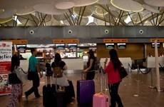 Hai khách Việt bị giữ tại Malaysia vì nói có bom trong hành lý bay