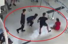 Phạt 4 nhân viên an ninh hàng không sau vụ côn đồ hành hung ở Thọ Xuân
