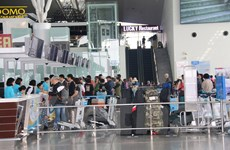 Sân bay Nội Bài hạn chế người đưa tiễn cao điểm Tết Nguyên đán