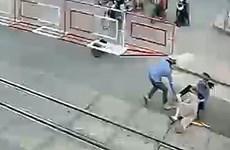 Chủ tịch VNR: Khâm phục 2 nữ gác chắn cứu bà cụ trước đầu tàu hỏa