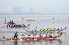 [Photo] Bơi chải thuyền rồng Hồ Tây: Nhiều màn rượt đuổi nghẹt thở