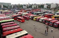 Hàng trăm xe bỏ bến ở Hà Nội: Lỗi tại xe sang Limousine hay 'chạy dù'?