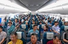Chuyến bay thương mại Boeing 787-10 của Vietnam Airlines cất cánh