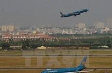 Tại sao sân bay Tân Sơn Nhất quá tải từ... trên trời xuống dưới đất?