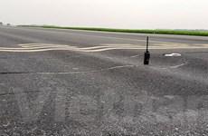 Đường băng xuống cấp trầm trọng, sân bay Nội Bài có nguy cơ đóng cửa