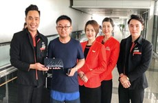 Tiếp viên Jetstar trao trả 125 triệu đồng khách bỏ quên trên máy bay