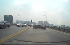 Xử lý nghiêm xe ôtô quay đầu, gây va chạm liên hoàn trên cầu Vĩnh Tuy