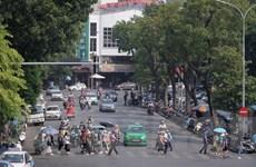 Thí điểm cấm ôtô, xe máy một tháng quanh phố đi bộ: Vẫn còn băn khoăn