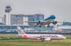 Các hãng hàng không phải điều chỉnh lịch bay do ảnh hưởng bão số 6