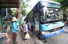 Hành khách mua vé tháng xe buýt có thể không cần dùng tiền mặt