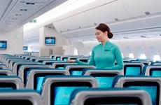 Bộ trưởng GTVT khen tiếp viên Vietnam Airlines trao trả tài sản khách