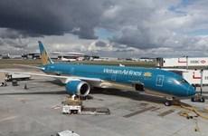 Thay tàu bay lớn để giải tỏa khách Việt từ Hong Kong về nước