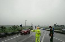 Xử lý nghiêm các vi phạm giao thông, chống người thi hành công vụ
