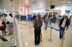 Khách làm thủ tục tại sân bay Nội Bài sau giãn cách xã hội ra sao?
