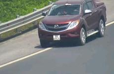 Xe ôtô đi lùi trên cao tốc Hà Nội-Hải Phòng bị phạt 17 triệu đồng