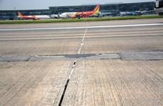 Sớm sửa chữa những hư hỏng đường cất hạ cánh sân bay Nội Bài