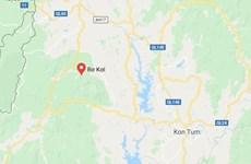 Huy động lực lượng cứu người vụ xe khách lao xuống vực ở Kon Tum